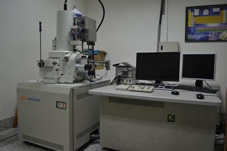 冷場發射掃描電子顯微鏡